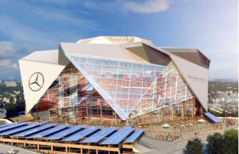 Sân vận động Atlanta Falcons với biểu tượng Mercedes-Benz quen thuộc