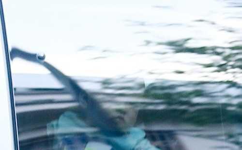 Con trai Hà Tăng cũng từng bị chụp trộm vào ngày 26/11 khi theo mẹ đến cửa hàng