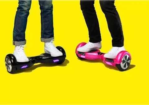 Hoverboards, đây là phát minh được giới trẻ cực kỳ yêu thích bởi tính tiện dụng của nó. Công nghệ được lấy cảm hứng từ bộ phim viễn tưởng và giờ đây nó đang dần tiến tới việc biến những điều không thể thành có thể.