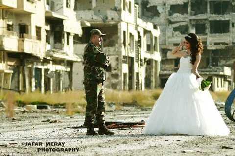 Trả lời phỏng vấn tờ MailOnline, nhiếp ảnh gia Jafar Meray cho biết ông hy vọng những bức ảnh này sẽ truyền cảm hứng cho những người dân Syria, rằng họ không nên từ bỏ hy vọng dù bom mìn đang tàn phá quê hương