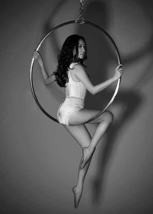 Hoa hậu Thu Hoài khoe thân hình sexy trong bộ ảnh nội y.