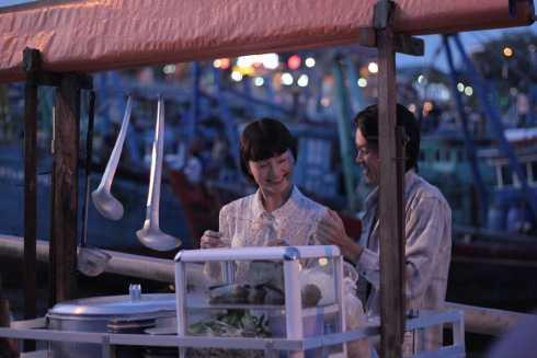 Lan Phương và Hoài Linh trong vai một đôi vợ chồng