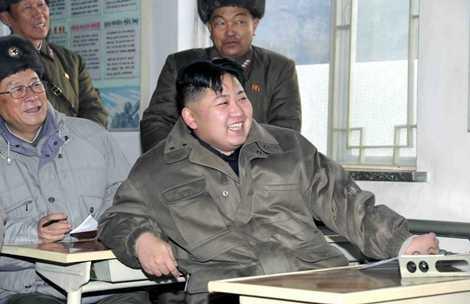 Nụ cười của người đứng đầu Triều Tiên khi thị sát một đơn vị quân đội