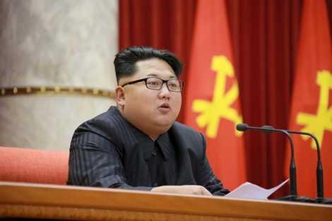 Ông Kim Jong-un trong một buổi họp của Quân đội Triều Tiên