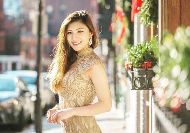 Không chỉ xinh đẹp, Vân Anh còn là cô gái tài năng, chơi được nhiều nhạc cụ.