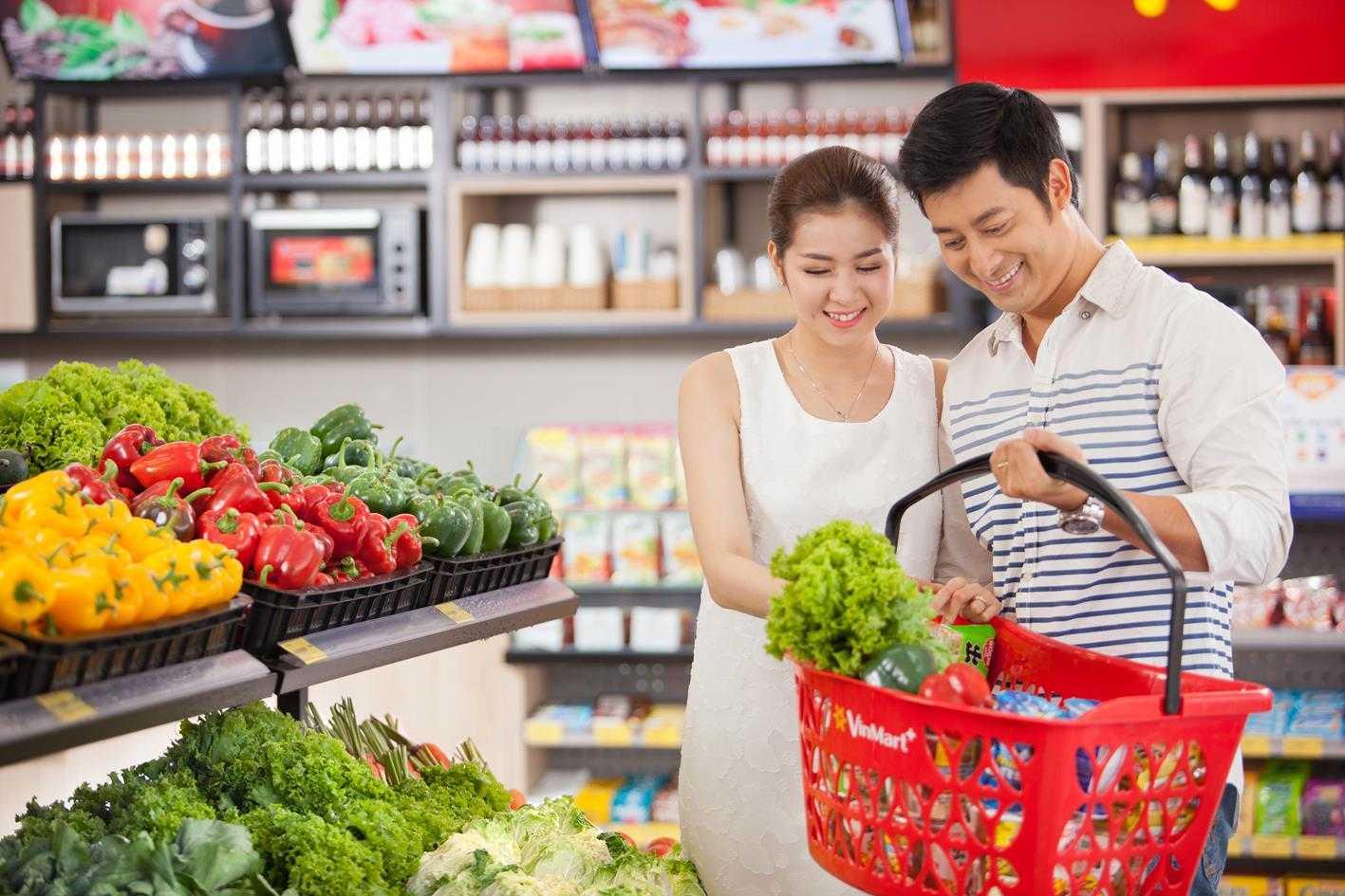 VinMart+ đa dạng các sản phẩm, đặc biệt có cả rau củ sạch VinEco