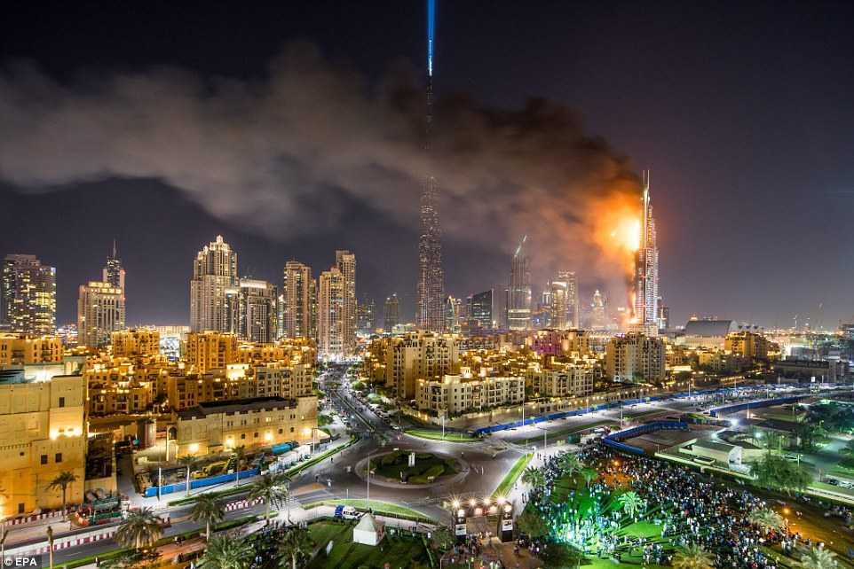 Hỏa hoạn ở khách sạn 63 tầng của Dubai đêm giao thừa
