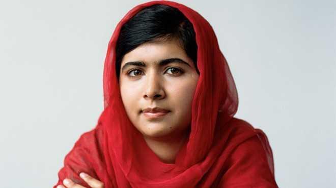1. Malala Yousafzai (19 tuổi) hiện lànhà hoạt động vì quyền của phụ nữ và trẻ em trên toàn thế giới, người trẻ nhất đoạt giải Nobel Hòa bình.Malala   từng phát biểu tại trụ sở Liên Hiệp Quốc và Đại học Harvard, thậm chí   còn tham dự cuộc họp với lãnh đạo các quốc gia, bao gồm Tổng thống   Obama. Bộ phim tài liệu được đề cử giải Academy Award năm 2015-He named me Malala (Cha đặt tên tôi là Malala) -cũng lấy cảm hứng từ cuộc đời 9X này cùng những đóng góp to lớn của cô  cho hòa bình thế giới.