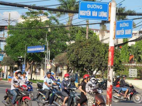 Ngã tư Nguyễn Văn Lượng - Nguyễn Oanh (quận Gò Vấp, TP HCM), nơi Tổ Cảnh sát 113 đứng chốt để xử lý người vi phạm vào đêm 17/8/2015