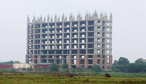 Dự án nhà ở sinh viên cao cấp được phê duyệt mức đầu tư gần 600 tỷ bị bỏ hoang nhiều năm nay ở Thanh Hóa. Ảnh: Nguyễn Dương.