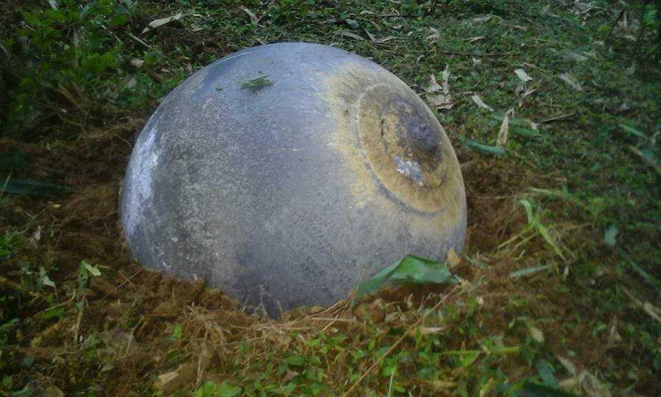 Vật thể lạ hình cầu, bề ngoài bằng hợp kim ở Tuyên Quang