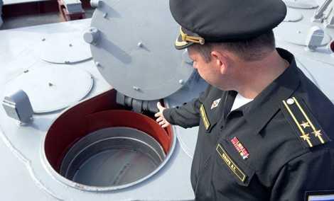 Thuyền trưởng Alexander Shvarts giới thiệu về các tên lửa trên tàu