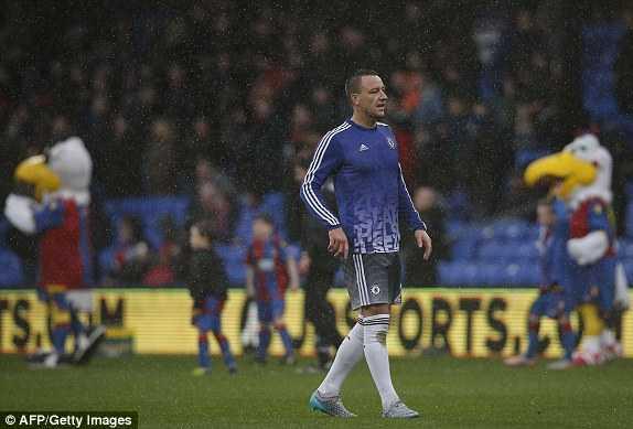 Terry trở lại đội hình chính thức của Chelsea