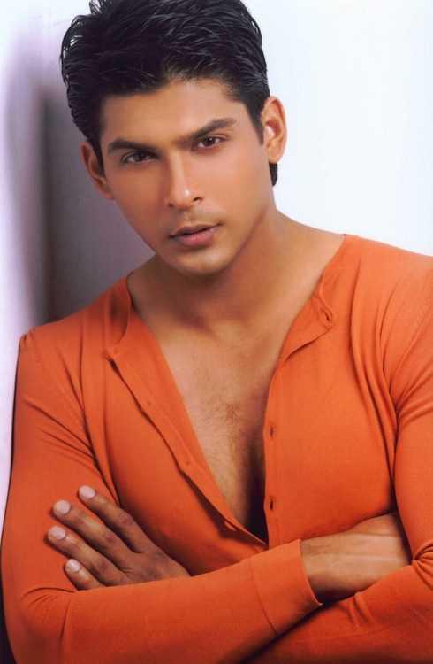 Siddharth Shukla - người thủ vai thanh tra Shiv – chồng sau của Anandi