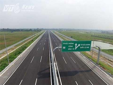 Cao tốc Hà Nội - Hải Phòng vừa được đưa vào khai thác toàn tuyến vào đầu tháng 12/2015