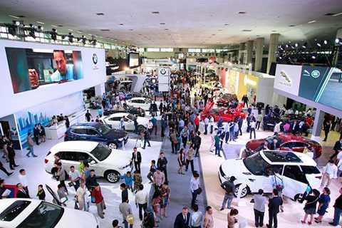 Hàng loạt xe sang chính thức tăng giá tại Việt Nam.