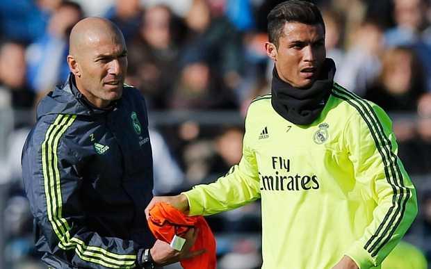 Zidane huấn luyện buổi đầu tiên ở Real