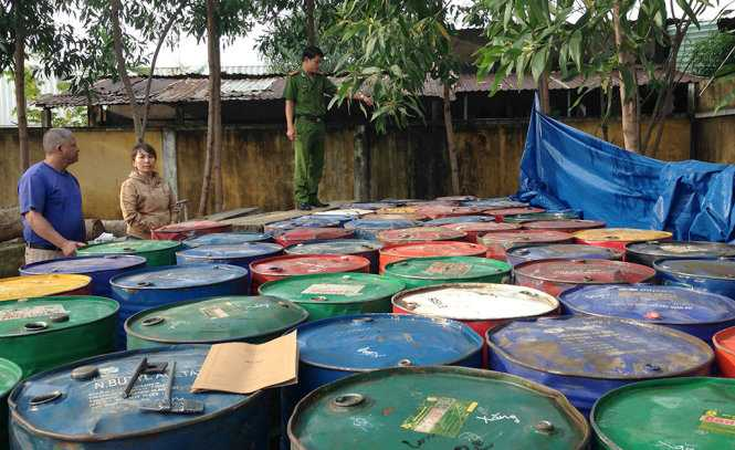 Cơ quan công an thu giữ gần 12.000 lít xăng dầu được thu mua trái phép