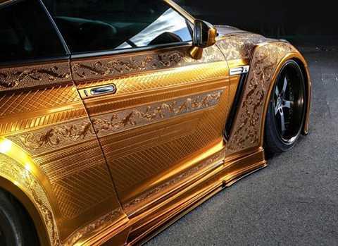 Chiếc xe được chế tác cầu kỳ với những đường nét tuyệt vời