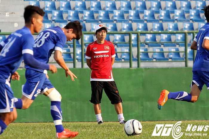U23 Việt Nam liên tục được HLV Miura nhồi thể lực bất kể thời tiết trong quá trình chuẩn bị cho VCK U23 châu Á