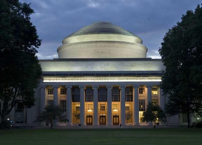 Viện Công nghệ Massachusetts (MIT) đứng thứ tư trong danh sách không phải vì chương trình học nặng, mà chủ yếu do tình trạng tội phạm tràn lan trong trường. Năm 2013, 23 vụ cưỡng hiếp và 520 vụ cướp xảy ra trong khuôn viên trường. Năm 2010, trong bảng xếp hạng những trường kém an toàn nhất của Daily Beast, MIT đứng thứ 13. Việc phải học tập với lượng bài tập khổng lồ trong môi trường nguy hiểm khiến sinh viên thường xuyên căng thẳng. Những trường đại học áp lực nhất nước Mỹ