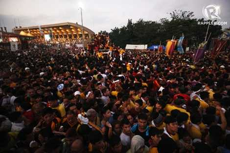 Hàng triệu người có mặt từ sáng sớm