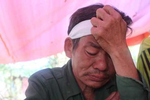 Ông Thịnh không cầm được nước mắt khi kể về con gái