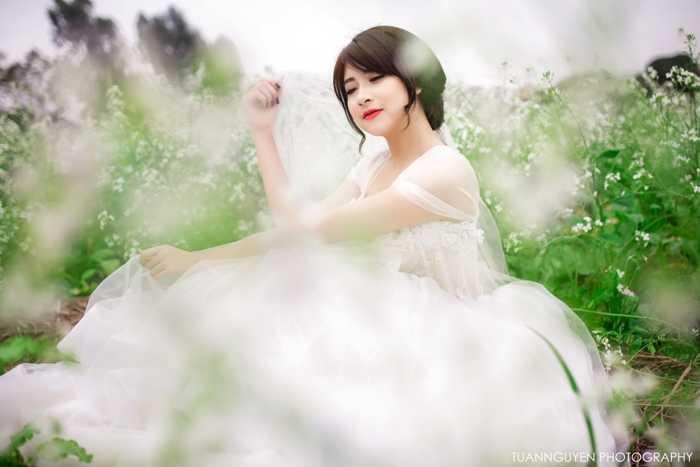 Hot girl mơ ước trở thành nữ diễn viên nổi tiếng, được nhiều người biết đến.