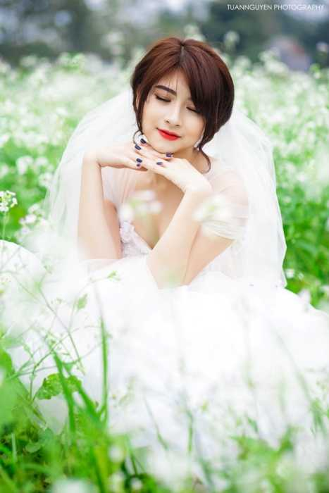 Ngoài học tập, Trang còn tham gia đóng phim. Cô khẳng định được tài năng diễn xuất qua một số vai trong phim truyền hình như Máy bay ký sự, Màu của tình yêu, Bạch mã hoàng tử, Lời ru mùa đông.