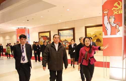 Thường trực Ban Bí thư Lê Hồng Anh kiểm tra công tác hậu cần phục vụ Đại hội XII