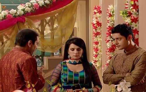 Sanchi xinh đẹp nhưng ích kỷ và chua ngoa đối với chị dâuAnandi.