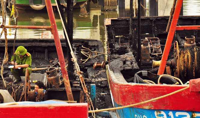 Khung cảnh hoang tàn sau vụ cháy - Ảnh: Trần Mai