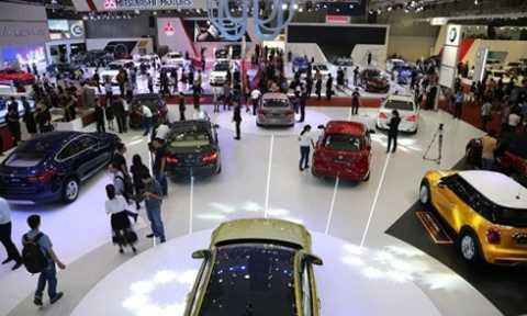 Thuế giảm ít, ô tô khó giảm giá.