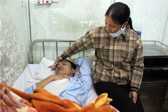 Ông Nguyễn Hồng Thái nằm điều trị trong bệnh viện.