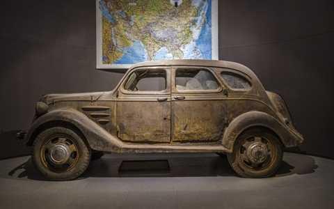 Chiếc Toyota đầu tiên ra đời năm 1936, ngày nay không còn phiên bản nào nguyên vẹn do bị tàn phá hoàn toàn trong Thế chiến II