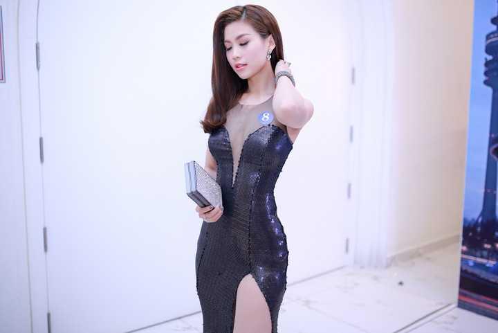Sau đám cưới với ông xã Việt kiều, cái tên Diễm Trang được truyền thông ưu ái nhiều hơn.