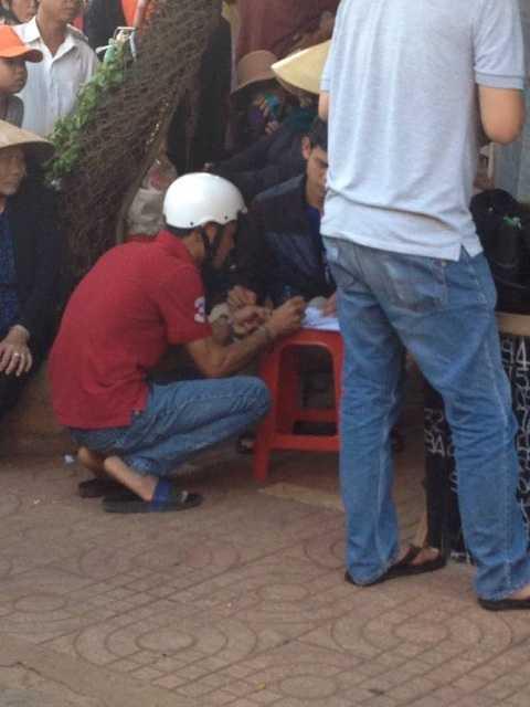 Nam thanh niên ghi đề tại ổ đè bà Phúc bị bắt giữ.Ảnh:Thanh Hải