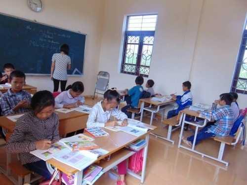 Đối với những giáo viên ở đảo Hà Loan, thưởng Tết là thứ quà xa xỉ.