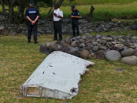 Mảnh vỡ máy bay MH370 được tìm thấy tại đảo Reunion (Pháp) hồi tháng 7.2015