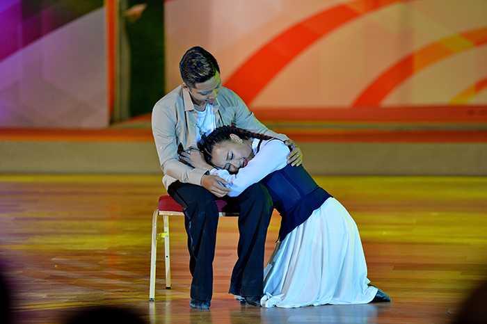Phần trình diễn của kiện tướng dance sport Phan Hiển