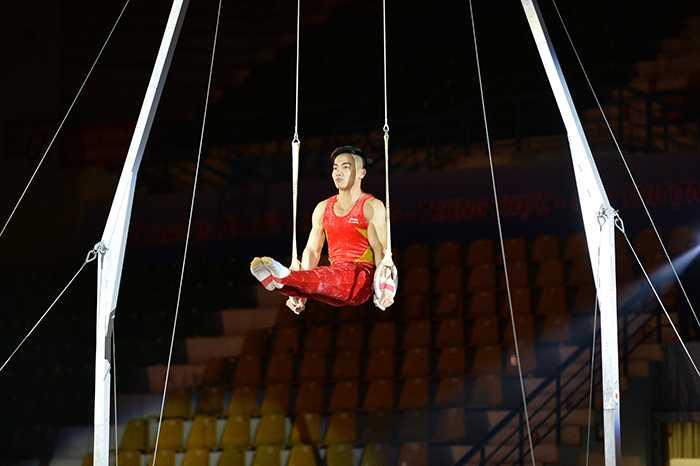 Màn trình diễn thể dục dụng cụ đỉnh cao của Phạm Phước Hưng