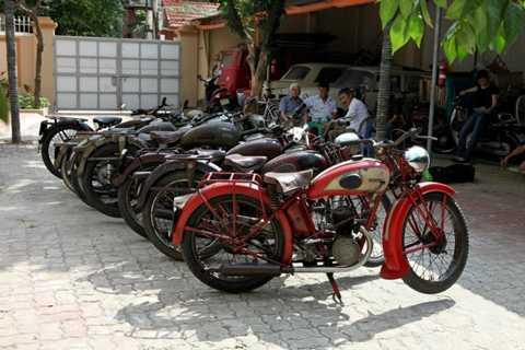 Những mẫu xe cổ được sưu tập bởi anh Dương Minh Chính.