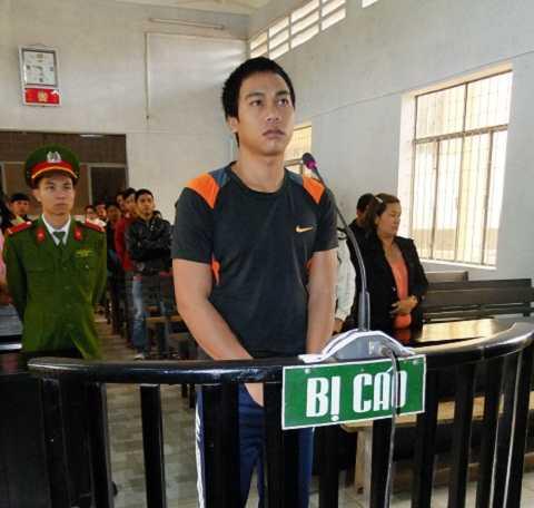 Bị cáo Y Sun Niê tại tòa án