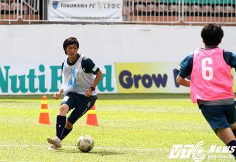 HLV Lê Huỳnh Đức tin Tuấn Anh đủ sức chơi ở Yokohama (Ảnh: Hoàng Tùng)