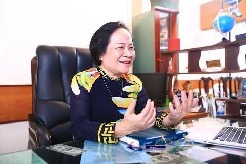 Bà Phạm Thị Việt Nga