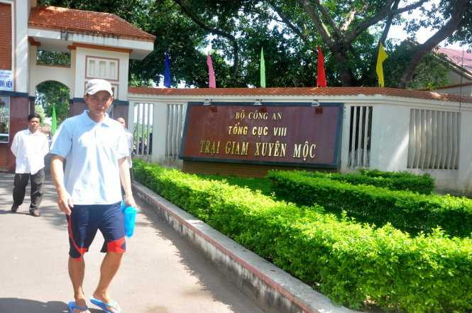 Anh Nguyễn Minh Tiến (38 tuổi, quê Châu Thành, Tiền Giang)- một người được tha tù trước thời hạn ra khỏi trại giam Xuyên Mộc. Anh cho biết, khi về quê sẽ làm nghề lái xe. Ảnh: Đông Hà