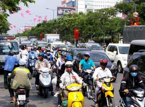 Giao thông khu vực quanh sân bay Tân Sơn Nhất kẹt xe kinh khủng.