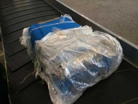 Hành lý tại sân bay Nội Bài