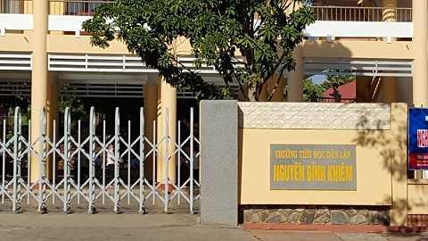 Trường THDL Nguyễn Bỉnh Khiêm xảy ra vụ kiệnẢnh:Thanh Hải