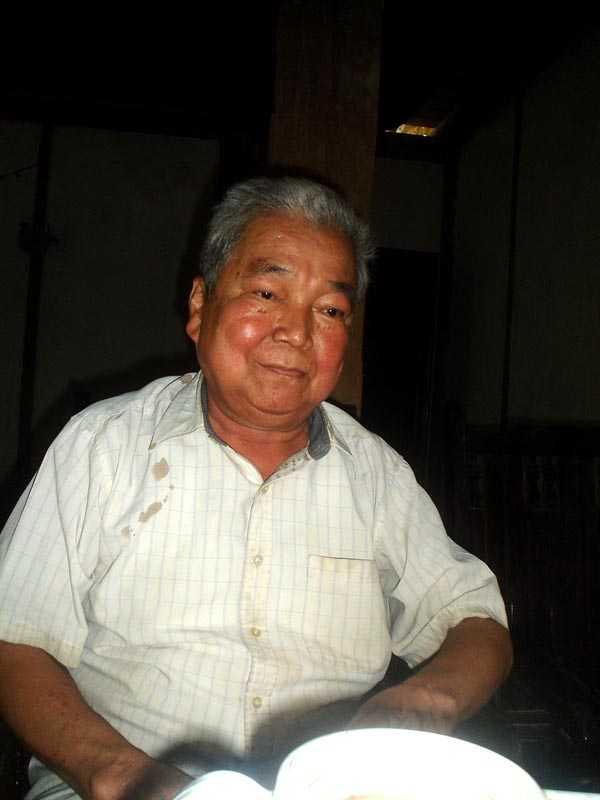Ông Hà Văn Cảnh bảo rằng, bố ông từng làm bùa tơm thăm để lấy vợ